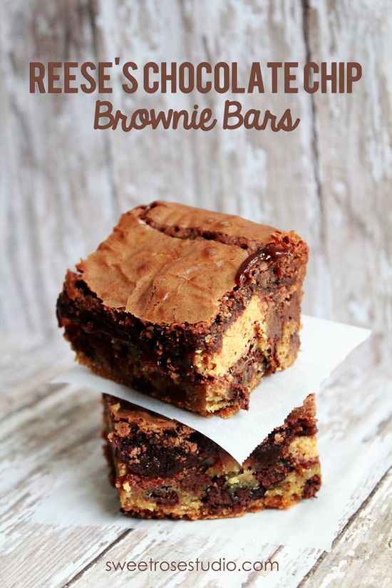 Reese's Chocolate Chip Brownie Bars at Sweet Rose Studio #recipe #yum