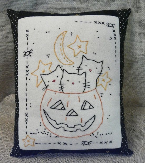 3 Cats in Halloween pumpkin Stitchery sheet E pattern primitive PDF pillow embroidery