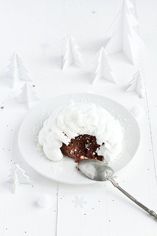 Igloo dessert- vanilla frosting/whipped cream? on chocolate cake. I'm guessing.