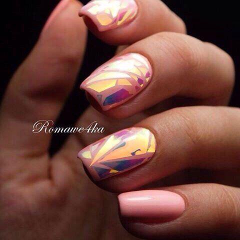 Дизайн ногтей френч и битое стекло