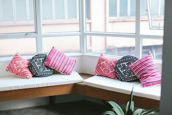 DIY No-Sew Bench Seat Cushions