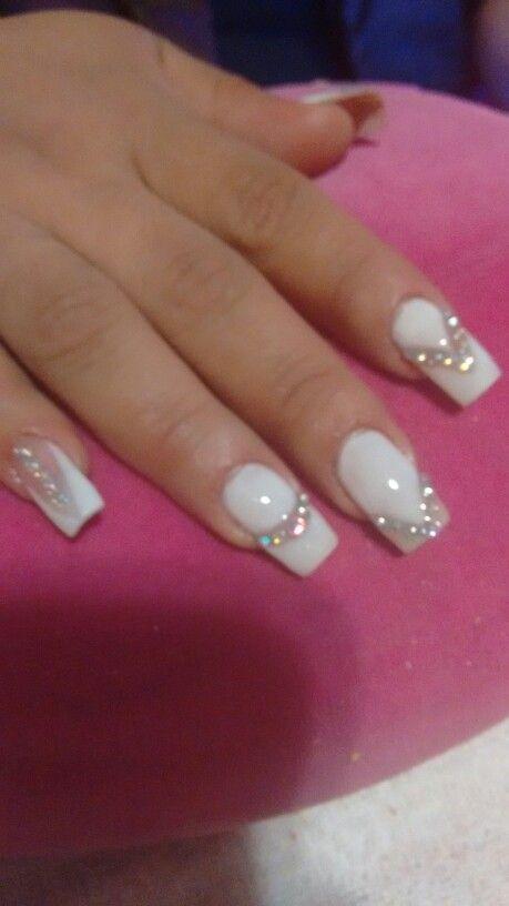 uñas con piedras tornasol 2015