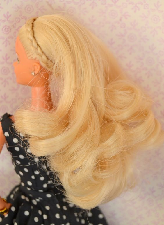 Communication on this topic: How to Curl Barbies Hair Using the , how-to-curl-barbies-hair-using-the/