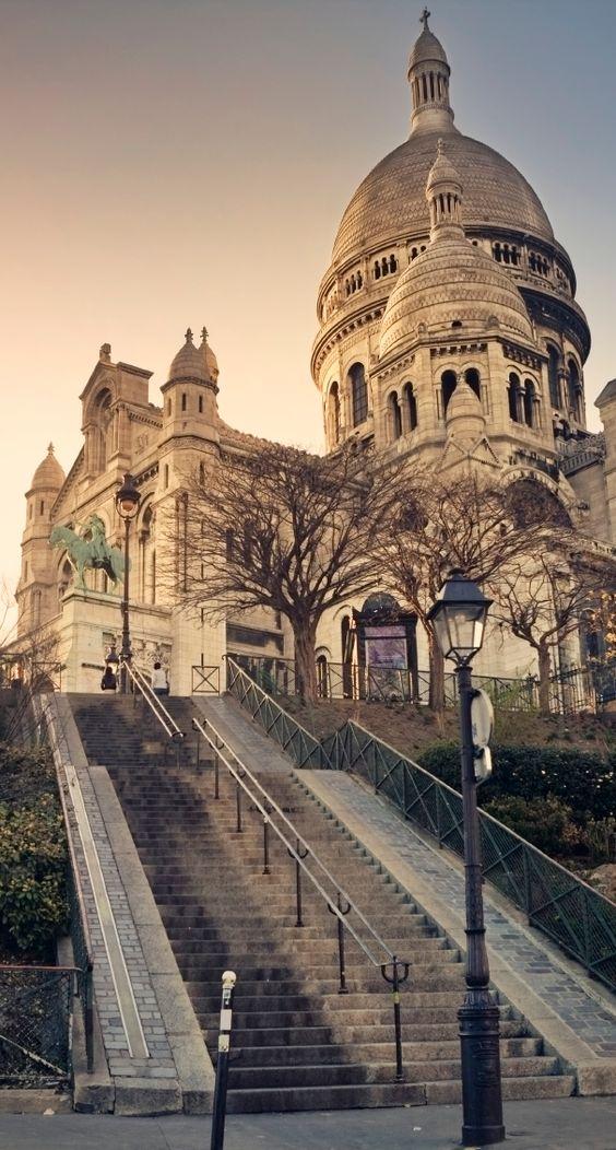 La Basilique du Sacré-Coeur, quartier de Montmartre, Paris: