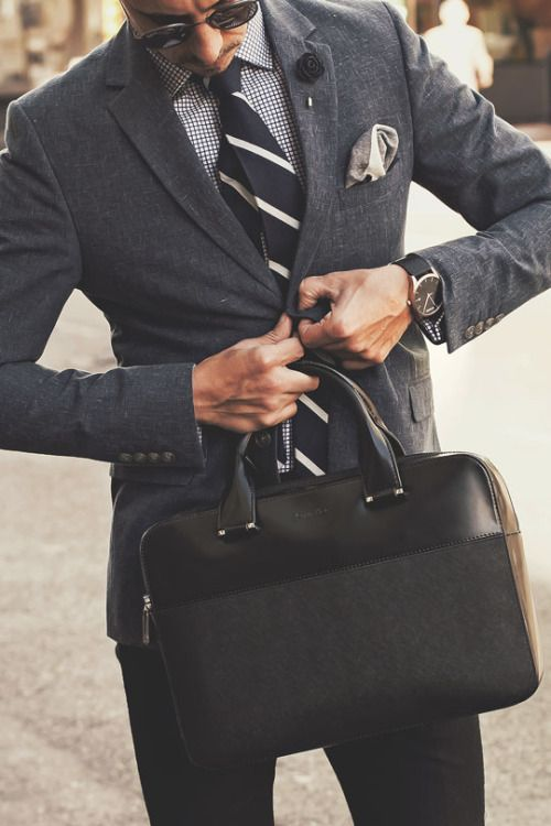 【デキる男推薦】ビジネスバッグのおすすめitem|スーツとの相性とは?