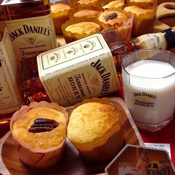 めっちゃ大人なマフィンです ジャックダニエルハニーをたつっっぷり入れました - 173件のもぐもぐ - JACK DANIEL'S HONEY  Muffin20歳未満お断り by yokko0605