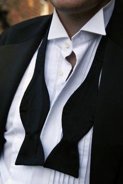 ドレスコードのおさらいと【ウィングカラーシャツ】の活用術!