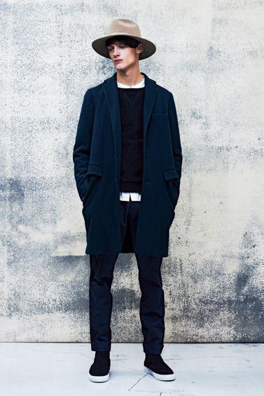 おすすめ①:紺&黒を使ったシックな着こなし!