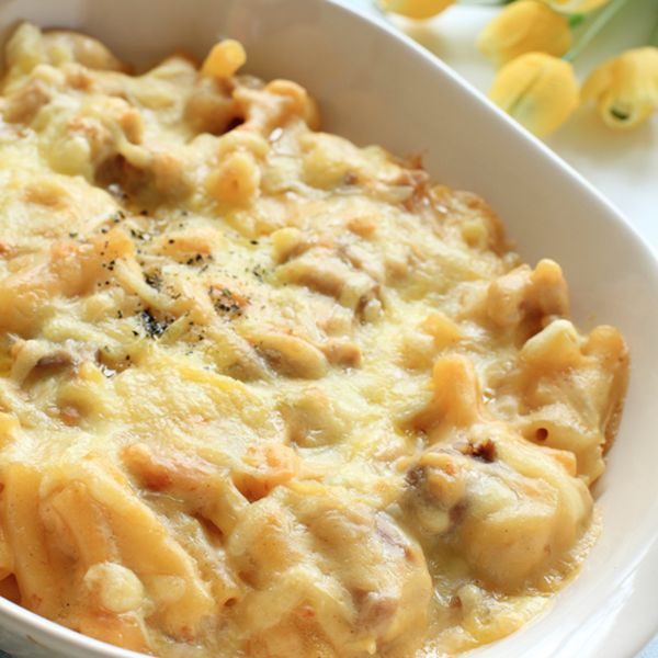 This creamy chicken and macaroni gratin is packed with cheesy goodness the whole family will love.�. Chicken and Macaroni Gratin Recipe from Grandmothers Kitchen.