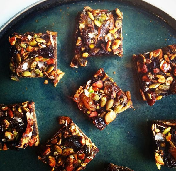 Remember that really great breakfast bar you grabbed as you were running late and dashed out the door last week? Yeah, didn't think so. This breakfast bar would still be fresh in your memory as it is made with 3 different layers of Coffee Flour: the oat base, the applesauce filling, and the dried fruit <a class=