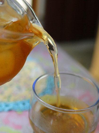 ベビーの水分補給には麦茶がおすすめ!作り方と飲ませ方のまとめ