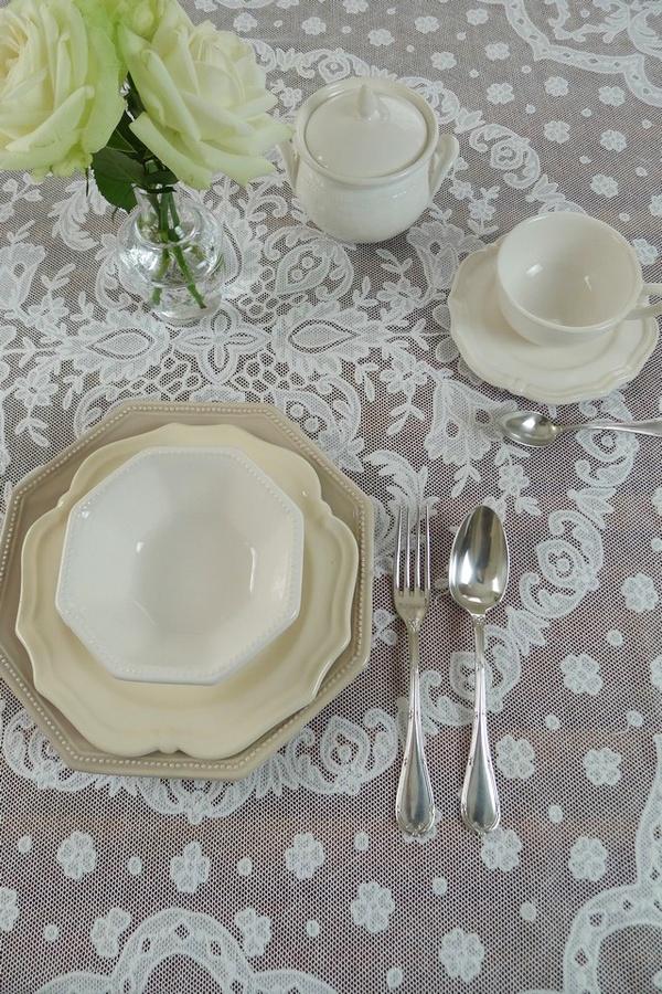 アンティーク チュールレースとアップリケの テーブルクロス French antique lace tablecloth