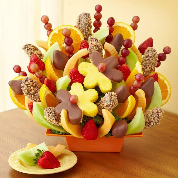 Send someone a sweet,  fall bouquet of fruit to brighten their day and save as a member with @FruitBouquets