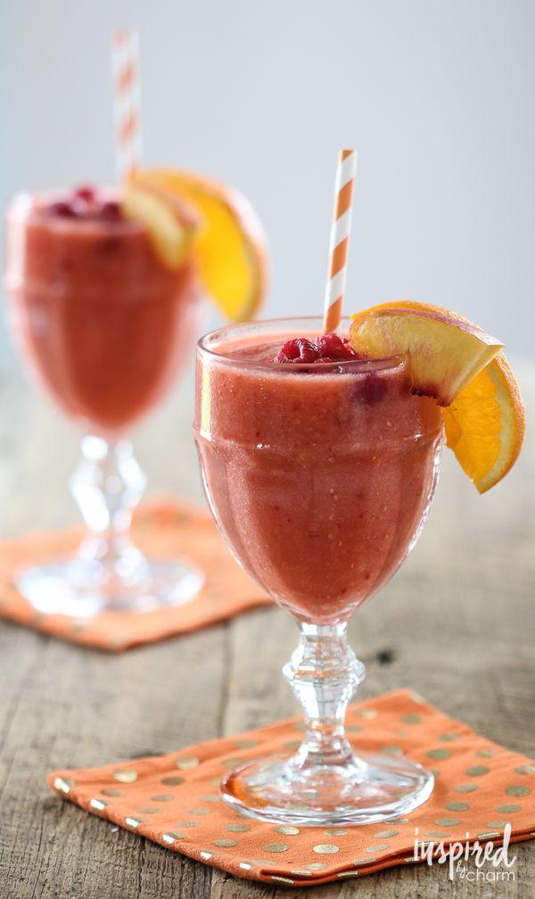 Frozen Raspberry Peach Sangria #cocktail #sangria