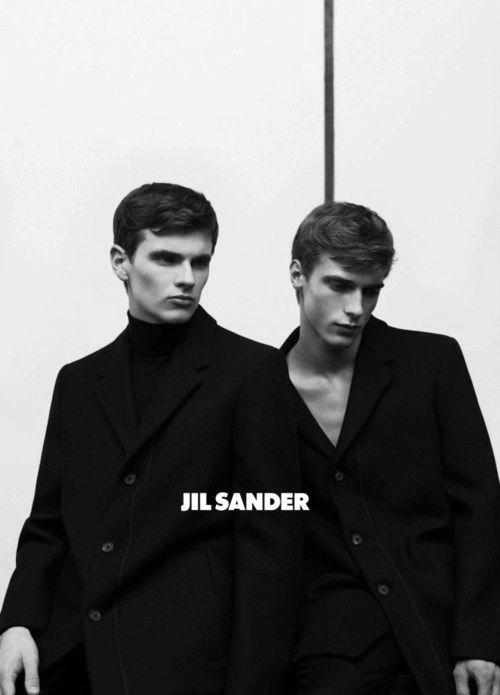 ジル・サンダーのコレクションルックにシンプルファッションを学ぶ