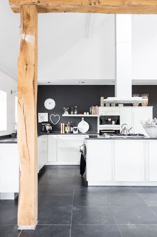 Keukeneilanden Voorbeelden : Grey and White Kitchen