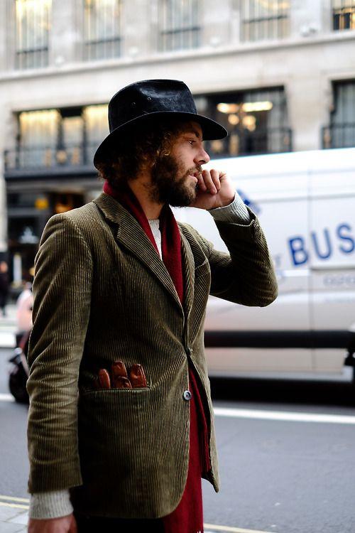 秋冬はコーデュロイジャケットで大人の装いに。粋なコーデュロイスタイルを分析!