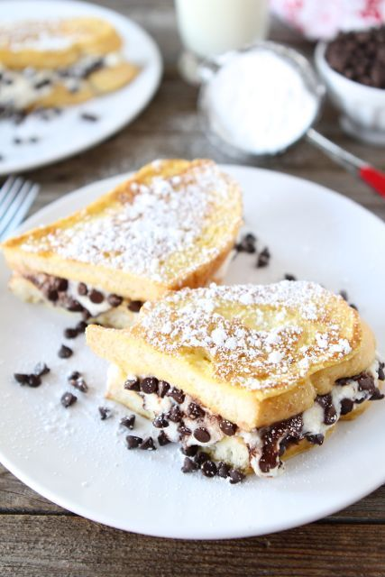 cannoli stuffed french toast. A decadent Valentine's breakfast in bed treat