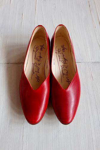 margot / 金沢・香林坊にある、mina perhonen(ミナペルホネン)を中心にしたお洋服やアクセサリーを扱うセレクトショップです。  » Blog Archive   » ローヒールパンプス (red)