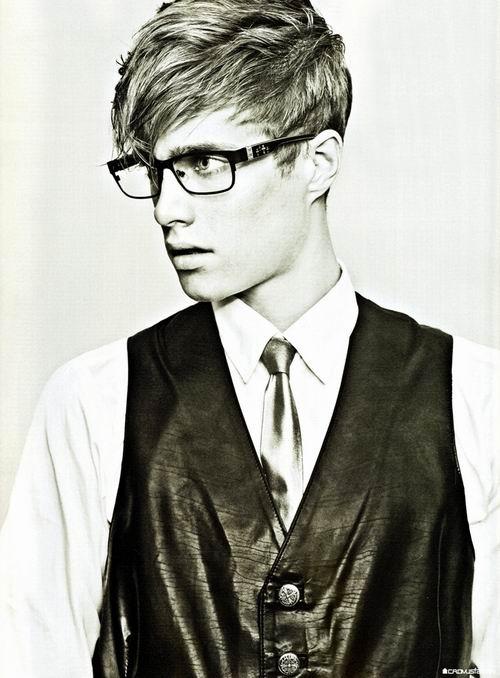 クロムハーツ 眼鏡7選 セレブ愛用のクロムハーツの伊達メガネをご紹介!