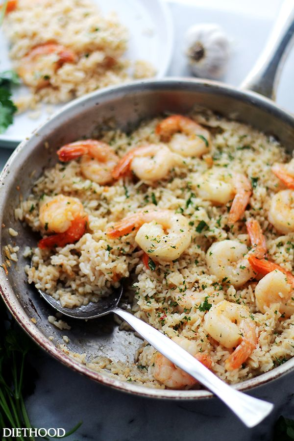 Garlic Butter Shrimp and Rice by dietehood: Garlic Butter lends an amazing flavor to this speedy and incredibly delicious meal with Shrimp and Rice. #Shrimp #Rice #Garlic