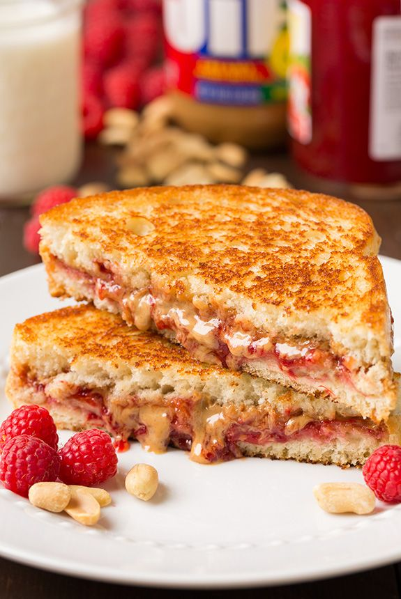 How has it taken me nearly 30 years to grill my PB&J Sandwich? My kids LOVED these. @smuckersrecipes  #MyPBJMoment #Sponsored