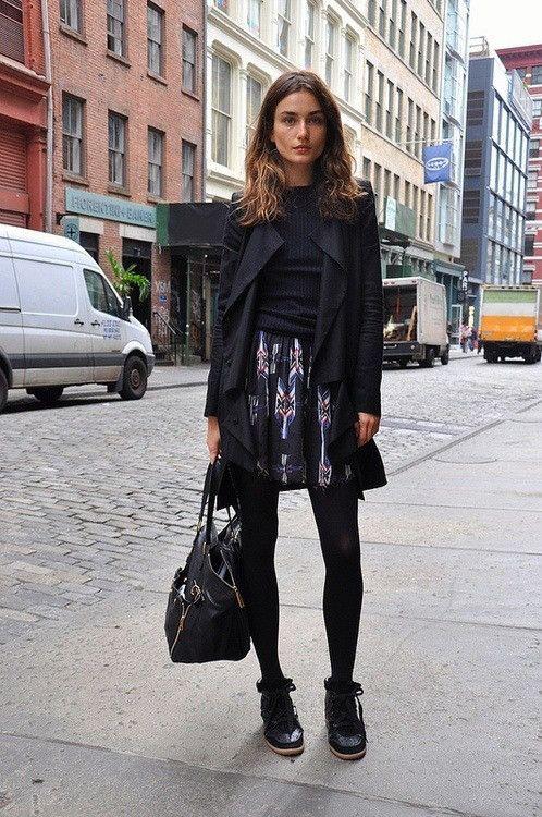 """今年の冬はブーツを履かない!トレンドを抑えるなら""""黒スニーカー""""が万能で可愛いんです"""