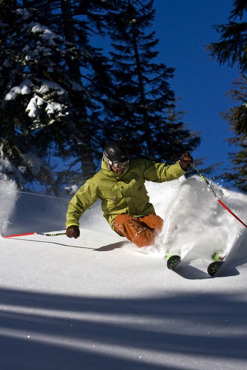 2015おしゃれなスキーウェアブランドBEST5!スキーが上手く見えるかも!?