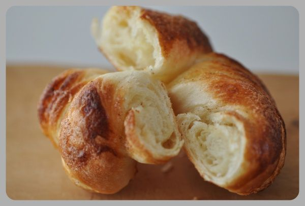 Homemade Cragel (Crogel) a Hybrid Croissant-Bagel