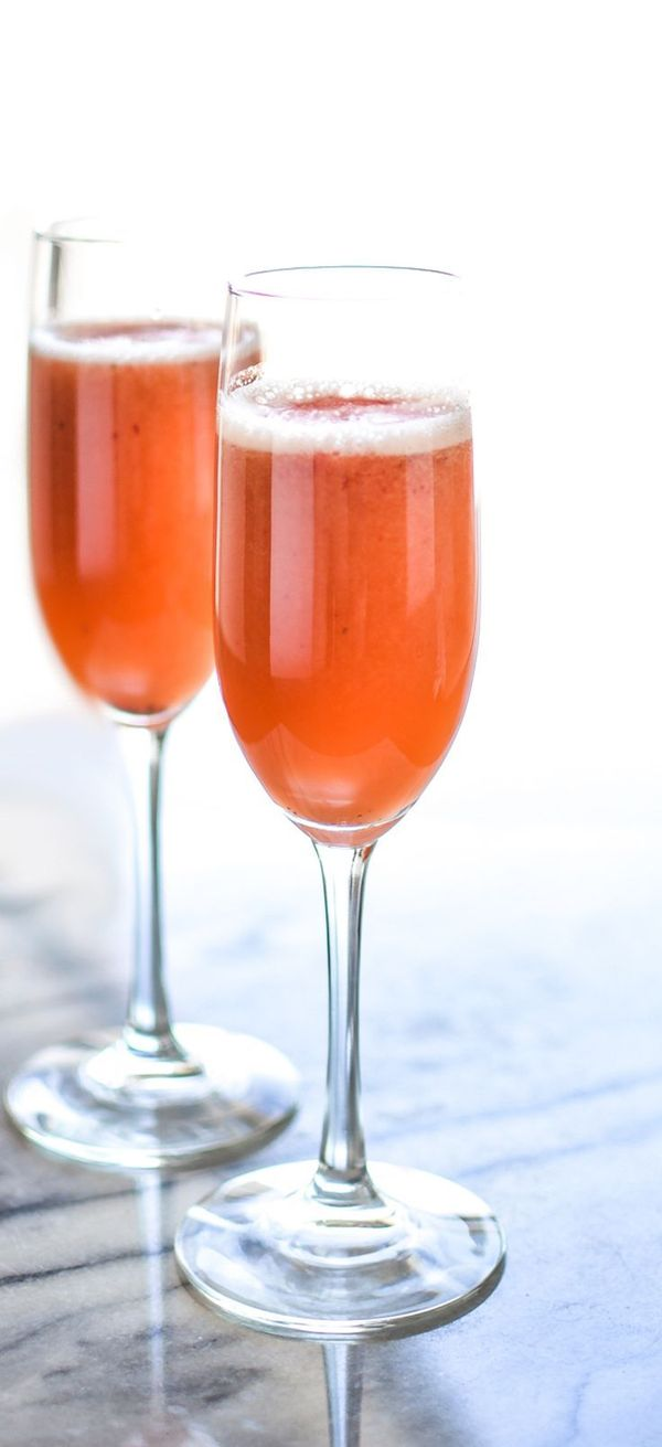 Strawberry Beermosas #strawberry #beermosa #cocktails #summer