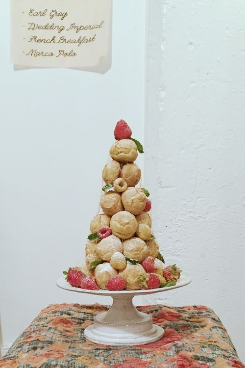 クロカンブッシュPatisserie Burrow -brooklyn nyc- 「あなぐら」という名前のケーキ屋バロウ