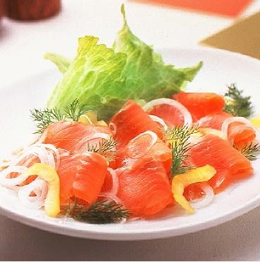 『サーモンマリネ』は簡単で豪華!食卓が華やぐ23のレシピ