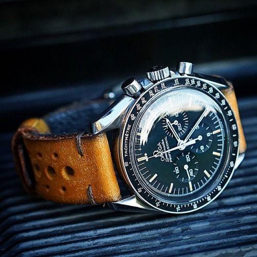 【オメガスピードマスター】人気腕時計30選|宇宙飛行士のために生まれたムーンウォッチ