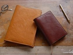 手帳カバーのおすすめ。おしゃれな革、そしてシンプルなものを厳選してご紹介します。