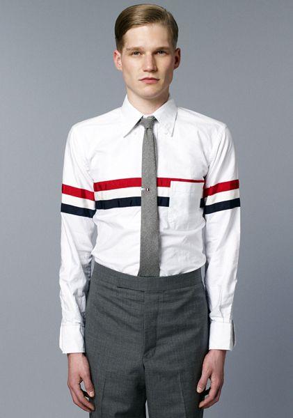 【反則級】Mr.JOOYはトムブラウンのトリコロールを熱く着こなす!メガネ、シャツ、カーデで上質な男に