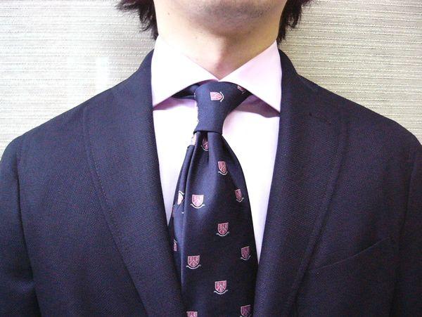 ワイドカラーはドレスシャツ?その違い&オシャレな男の着こなし方とおすすめブランド3選