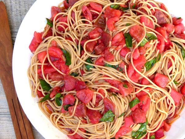 pasta alla checca (raw tomato sauce)