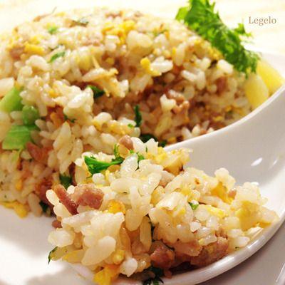 わさび菜いり♪レモン香る春のチャーハン☆ほどよくパラパラ♪簡単料理
