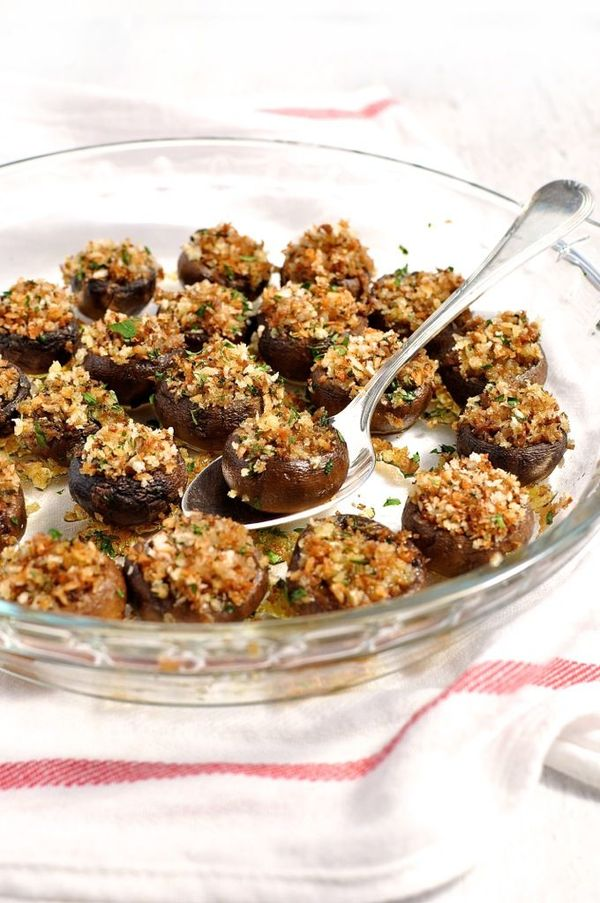Panko and Herb Stuffed Mushrooms are an easy and beautiful appetizer. They will be a big hit this holiday season. Did I mention that they are vegan (and vegetarian).