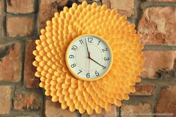 DIY Plastic Spoon Flower Clock Tutorial from That's What {Che} Said - like the mirror tutorials but add a clock.  Love it!