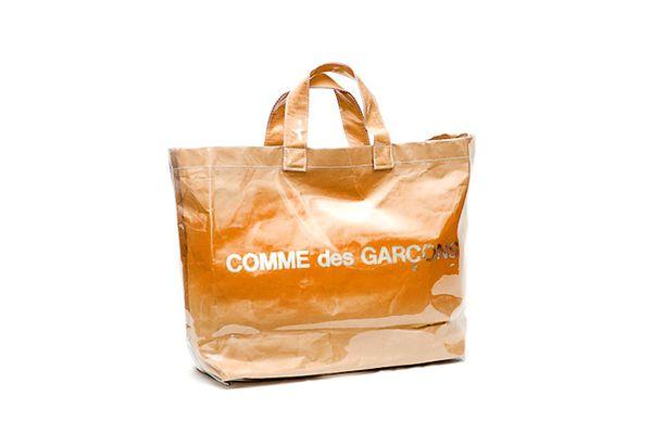 バッグの定番が変わる!?コムデギャルソンのバッグが人気