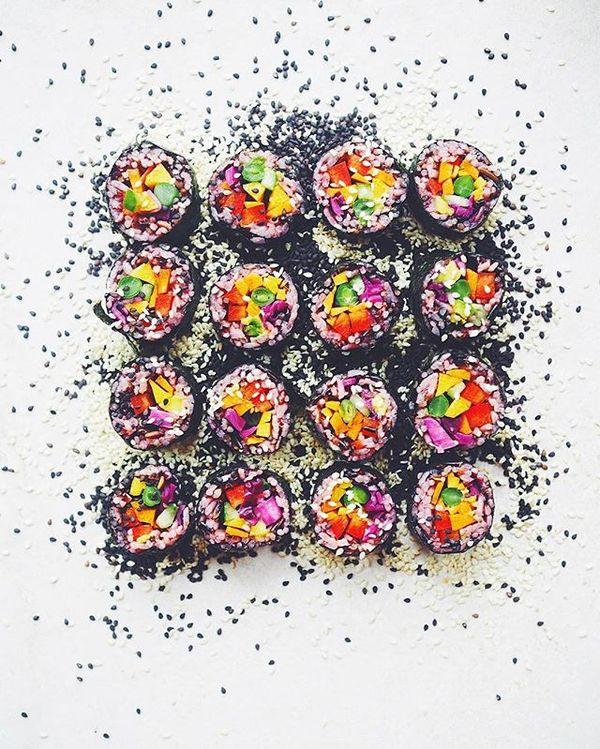 Rainbow Sushi for breakfast ☄✨ #sushilovers #hippielane