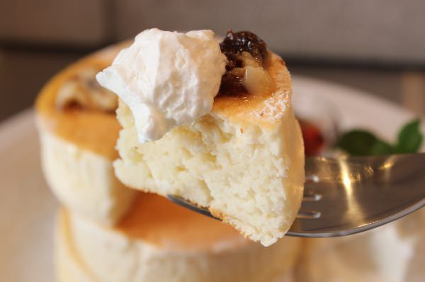 セリアのパンケーキ型が優秀!カフェの厚焼きパンケーキがおうちで作れる♪