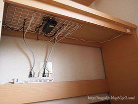 見た目も、使い勝手もいい!ゴチャつく電気ケーブルや配線類をすっきり収納! - NAVER まとめ