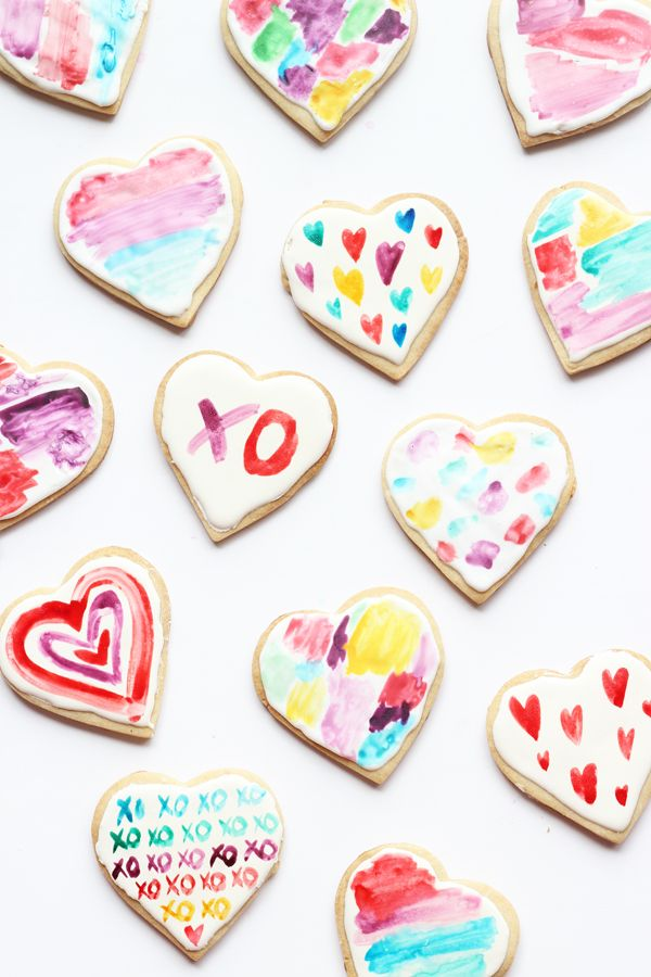 DIY: watercolour heart cookies