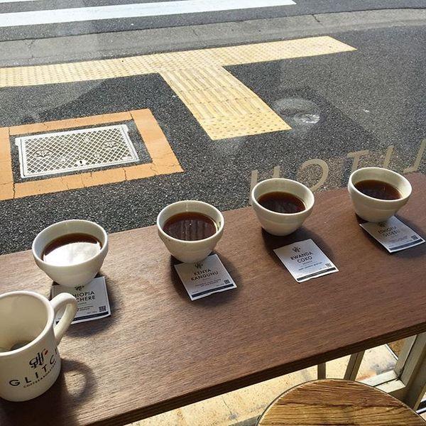 昨日、久しぶりにカッピング。 エチオピアのコチェレとルワンダのチョコが好きです。どのコーヒーもとてもフルーティーで質感もしっかりあって美味しかったです! #coffee #goodcoffee #cupping #glitch #glitchcoffeeandroasters #tokyo