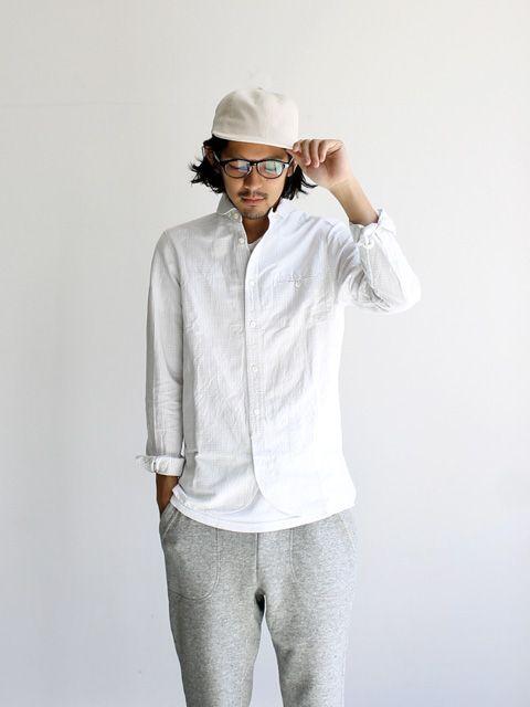 白シャツのインナーは何を着るのが正解?|夏の『透ける問題』を解決する