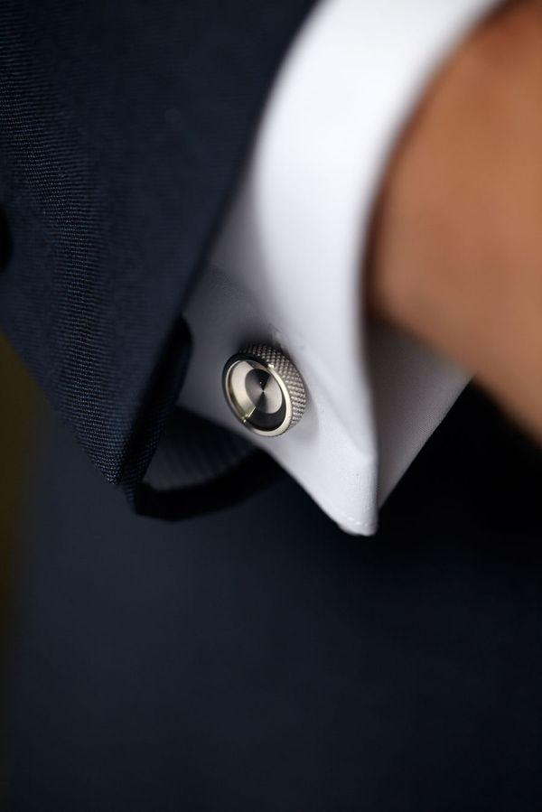 「カフス」でワンランク上のシャツスタイルを【使い方&おすすめブランド特集】