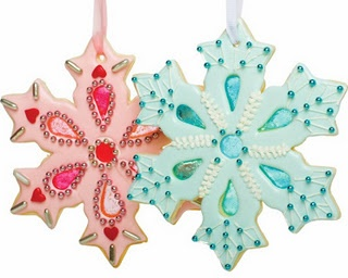Crushed Jolly Ranchers = stained glass cookies! Cookie Cutter: http://www.fancyflours.com/Cookie-Cutter-Giant-Star-Snowflake-Stainless-Steel/productinfo/4200BKGSS/