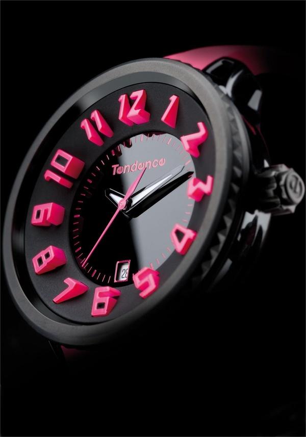 テンデンス(TENDENCE)の大胆デザイン腕時計で個性的なOFFの日を!定番シリーズ解説